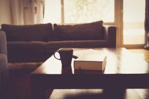 bookcoffeelivingroom