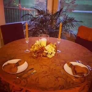tableissetforthanksgiving